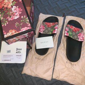 Gucci Pursuit Slide Sandals
